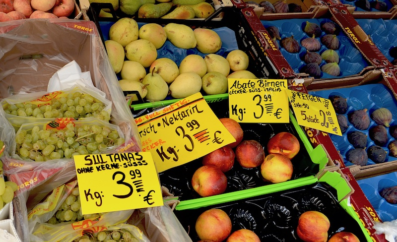 Fruit stand - kilograms