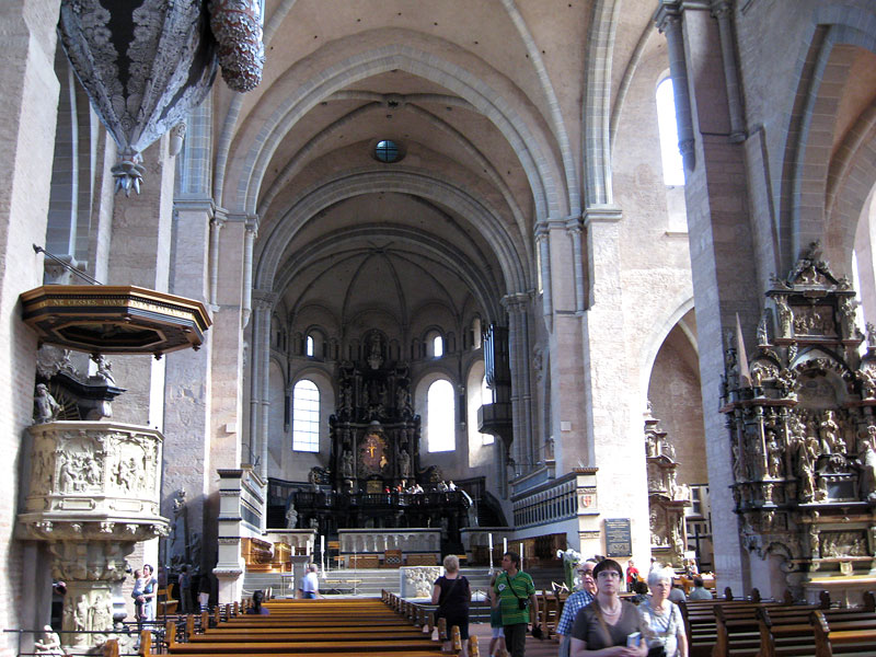 Trier cathedral interior 2
