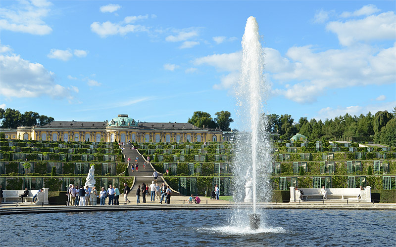 Potsdam Sanssouci Palace and fountain