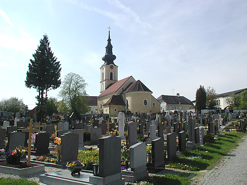 Linz cemetery and church