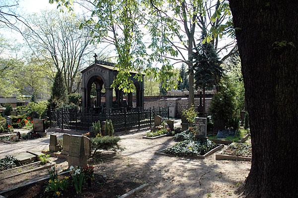 Peter Louis Ravene grave