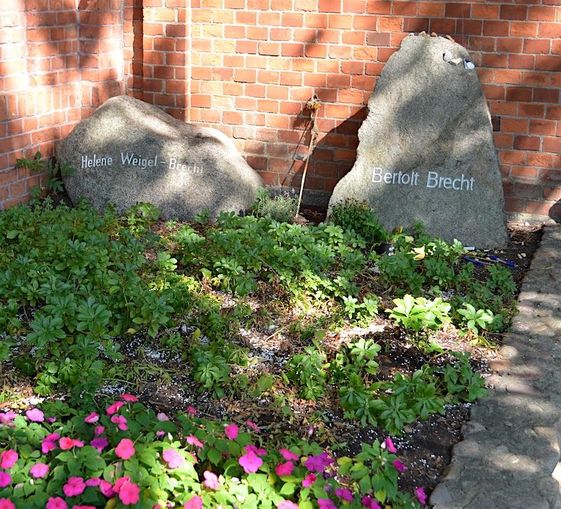 Brecht grave in Berlin