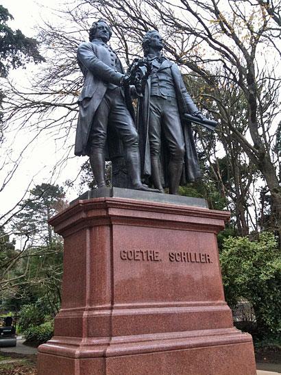 Goethe Schiller statue